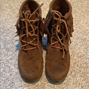Minnetonka suede lace up moccasins, 7